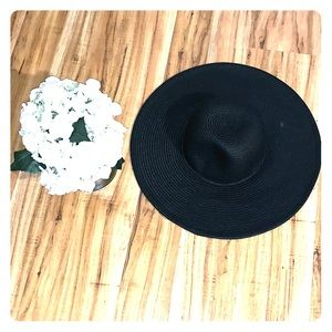 NWOT J Crew classic Straw Hat - black